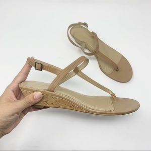 Brooks Brothers 346 Leather T Strap Sandals